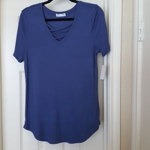 NWT pretty blue junior's top